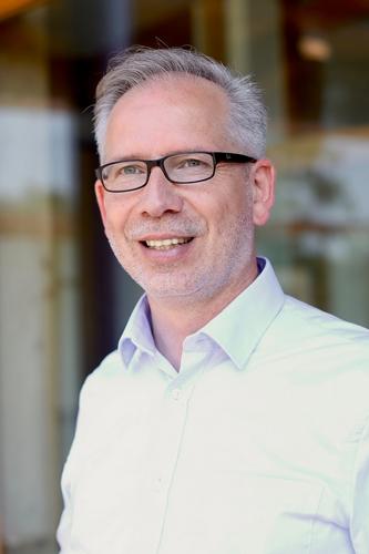 Pastor Jürgen Müller :
